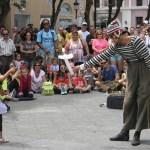 Alameda Shopping promove apresentação circense