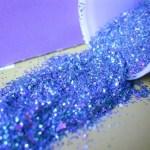Menino de 7 anos morre após aspirar purpurina