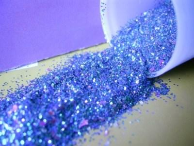 Criança morre após aspirar purpurina - Guia BSb.net