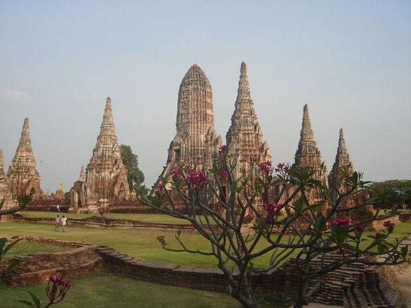 Momumento na Tailândia - Guia BSB.net