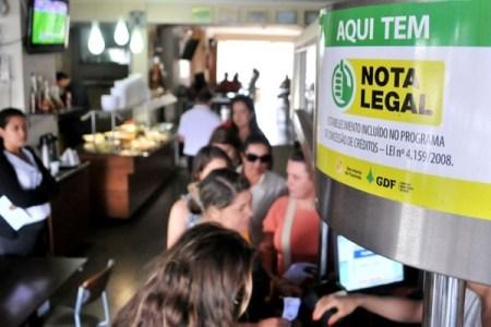 Quem forneceu o CPF em estabelecimentos comerciais terá restituição - Foto: Antônio Cunha / Esp. CB / D. A Press