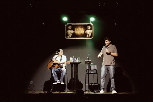 ENTRE OUTROS com Gus Fernandes e André Santi - Foto: Casa de Artistas