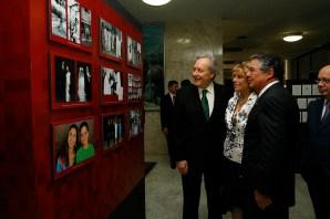 Min. Marco Aurélio, o presidente do STF, Ricardo Lewandowski e sua esposa Yara - Foto: Erivelton Viana