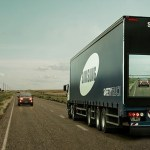 Samsung cria caminhões com telas traseiras para facilitar ultrapassagem