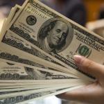 Dólar fecha acima de R$ 3,95, segundo maior patamar na história