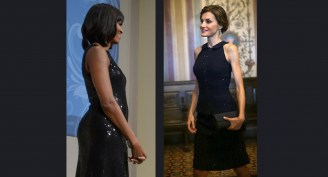A rainha Letizia num evento na casa do embaixador da espanha em Washington DC, e A primeira dama com um vestido parecido