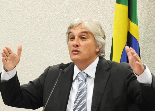 Líder do governo no Senado, Delcídio do Amaral é preso pela Polícia Federal - Foto: Veja