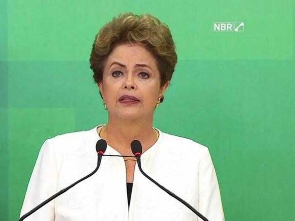 Dilma fala sobre abertura de processo de impeachment (Foto: Reprodução/NBR)