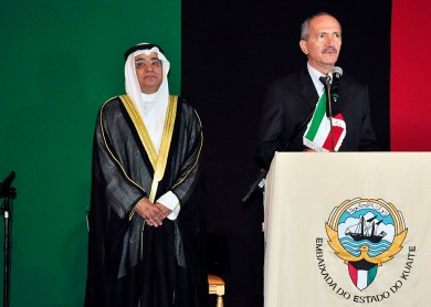 S.E.Sr.Embaixador Estado do Kuwait, Ayadah Mbrad Alsaidi, Ministro da Defesa Aldo Rebelo