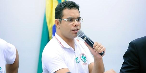 Thiago da Silva: é direito das famílias prejudicadas participarem do acordo - Foto: Lucio Bernardo Jr. / Câmara dos Deputados