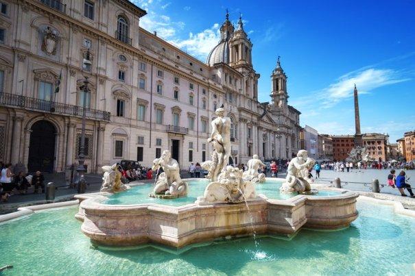 Piazza Navona, em Roma (Itália), 2 mil pousadas oferecem hospedagem de graça em troca de serviços - Fotos: IakovKalinin/iStock