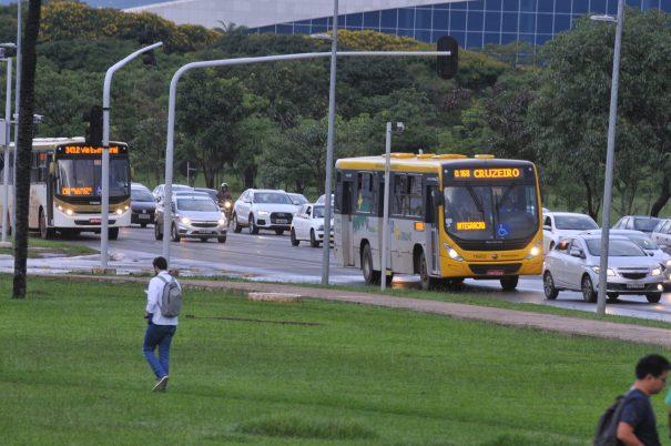 Ordem no GDF é aumentar oferta de ônibus para diminuir lotação dos veículos e cobrir mais regiões | Foto: Renato Araújo / Agência Brasília