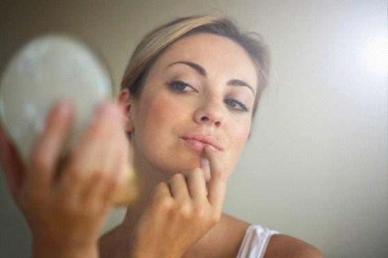 Como igualar a pele do rosto e pescoço