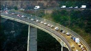 Más carreteras. Imagen Puente de Silva