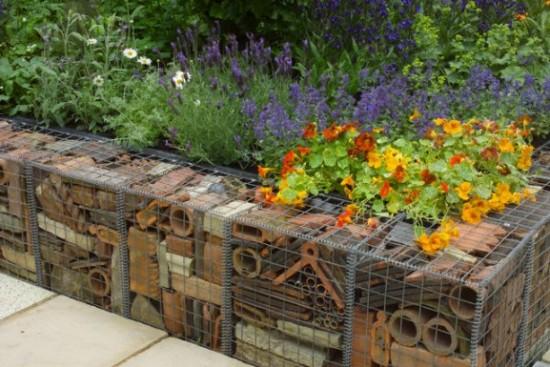 7 idee per realizzare pareti di sostegno nel giardino - Giare da giardino ...