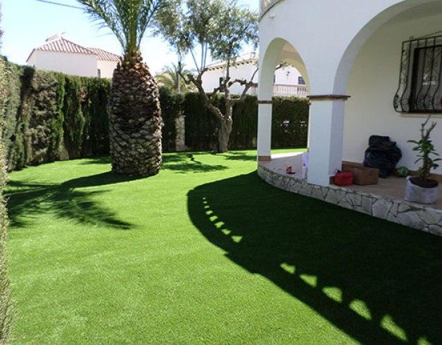 I vantaggi del prato artificiale guida giardino - Giardino artificiale ...
