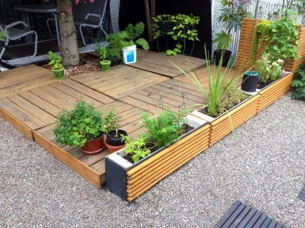 Costruire Una Credenza Con I Pallet : Come riutilizzate i pallet per realizzare una pavimentazione nel