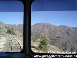 De Sucre a Potosí: ¿En bus, o mejor en tren? ¡En los dos! - 120307_ferrobus1