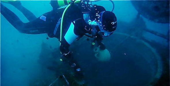 Un laboratorio enológico submarino en la costa vasca