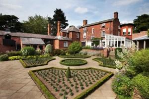 Bantock House, un museo para disfrutar  - Bantock_House_Dutch_Garden1-300x200