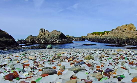 Glass Beach, una hermosa playa de residuos