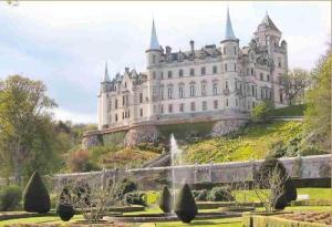 Los diez castillos más encantadores del mundo - 1202303297_f1-300x205