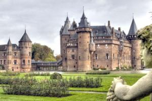 Los diez castillos más encantadores del mundo - Castillo-de-Haar1-300x200