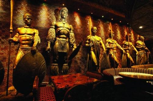 5 lugares chocantes para cenar en Londres - zulu35-kings-club1-1024x682