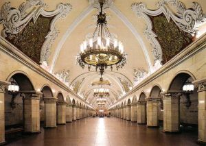 Un museo bajo tierra - metro-moscu-4-300x213
