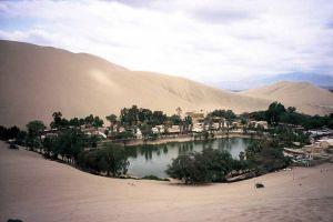 Una sirena habita en el oasis de Huacachina - huacachina-6-300x200