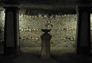 Où résident les morts  - Catacombs-700px-300x204