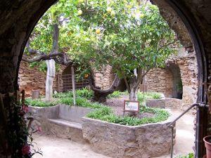 Baldassare Forestiere y su jardín subterráneo: una historia inspiradora. - forestiere-5-300x225