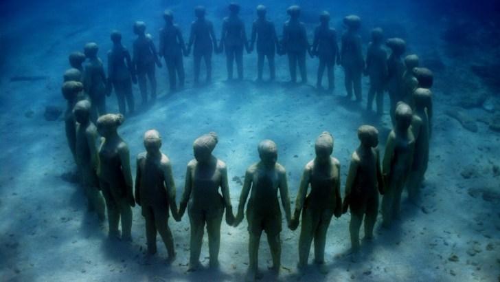 Esculturas submarinas en el Caribe