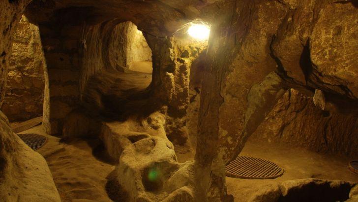 Derinkuyu, historia y misterio bajo tierra.