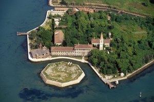 Poveglia, la isla donde residen los muertos - poveglia01-300x199