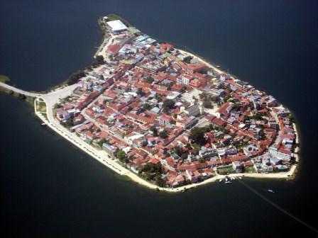 La isla de Flores (Guatemala)