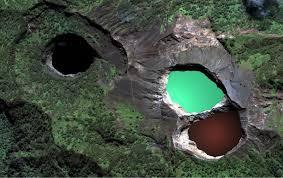 Kelimutu, el volcán y sus tres lagos. - Kelimutu