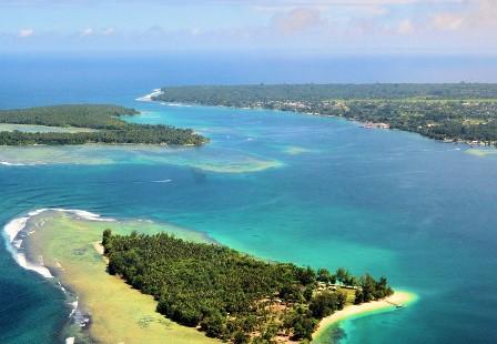 Nusa Island, paraíso del surf y el buceo.