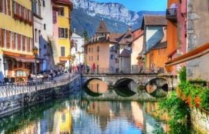 """Annecy, la """"pequeña Venecia"""" de los Alpes - Canal-Annecy-300x192"""