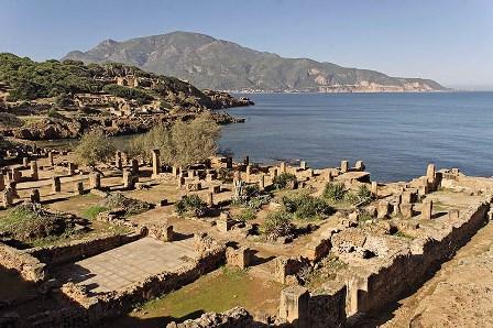 Tipasa , ruinas romanas en la costa africana