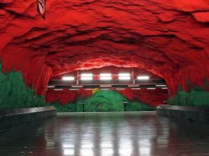 El metro de Estocolmo - Solna-Centrum-300x224