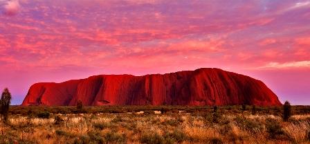 Monte Uluru: el ombligo del mundo.