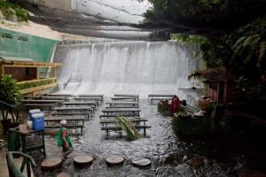La cascada de Labassin - Villa-Escudero-restaurante-300x200