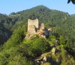 Transfagarasan, la carretera más escabrosa de Europa - cetatea-poenari1-300x258