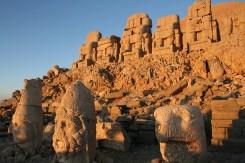 Ruinas de Comagene en el monte Nemrut - Monte-Nemrut-300x200