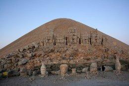 Ruinas de Comagene en el monte Nemrut - mount-nemrut-dagi-18-300x200
