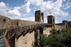 Monteriggioni (Italia) - Mnteriggio-walls-by-Paolo-Ramponi-300x200