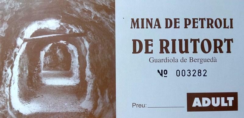Mina de Petróleo de Riutort - Entrada a la Mina de Petróleo
