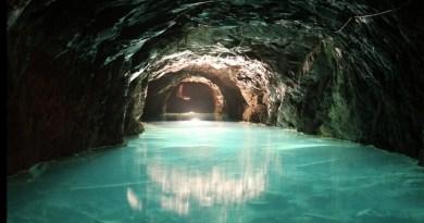 Mina de Petróleo de Riutort - Represa de contención de agua en una de las galerías. (3)