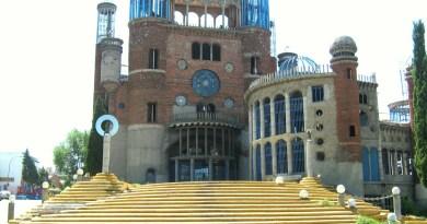 La Catedral de Justo - Escalinata de la Catedral.